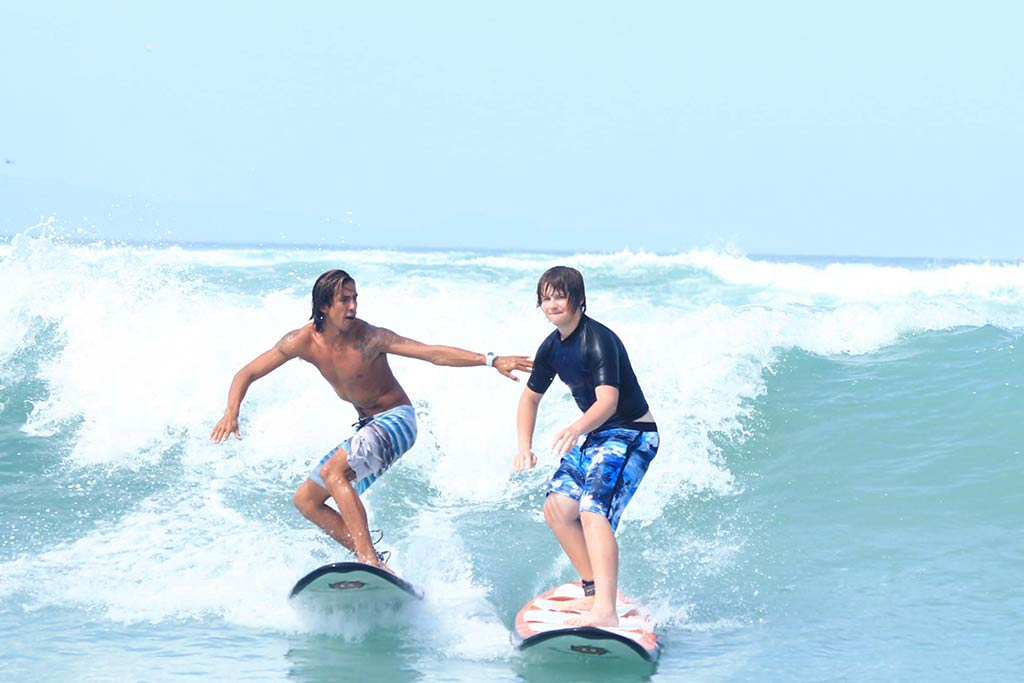 surf therapy session